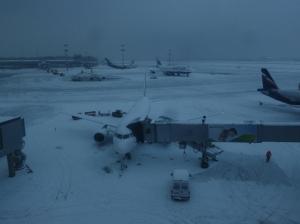 aéroport de moscou sous la neige